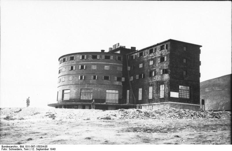 Gran Sasso, Hotel Campo Imperatore, źródło: Bundesarchiv, licencja: CC BY-SA 3.0 DE