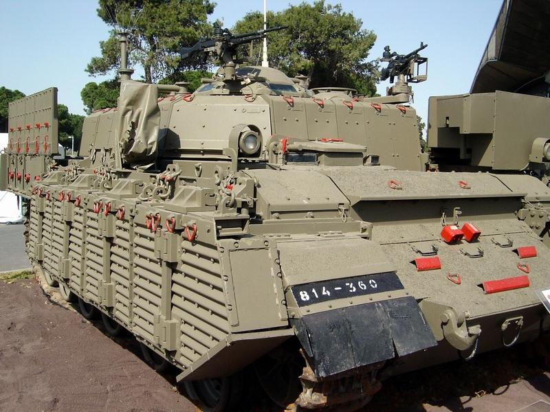 Transporter opancerzony Nakpadon. Źródło: Wikimedia Commons, licencja: CC BY-SA 3.0