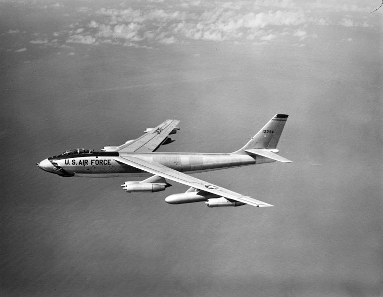 773px-Boeing_B-47E_Stratojet_51-2394
