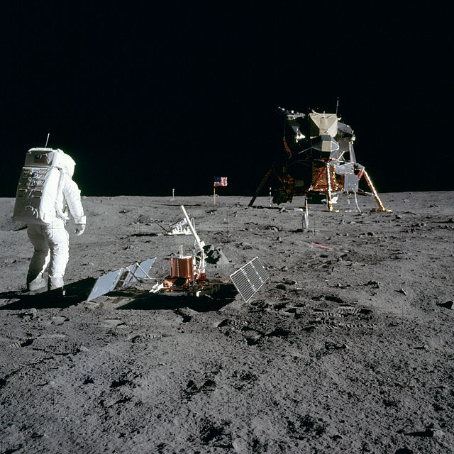 Aldrin_Looks_Back_at_Tranquility_Base_-_GPN-2000-001102