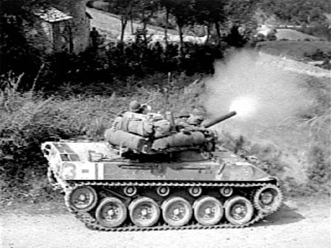 M18-Hellcat-fires-Italy