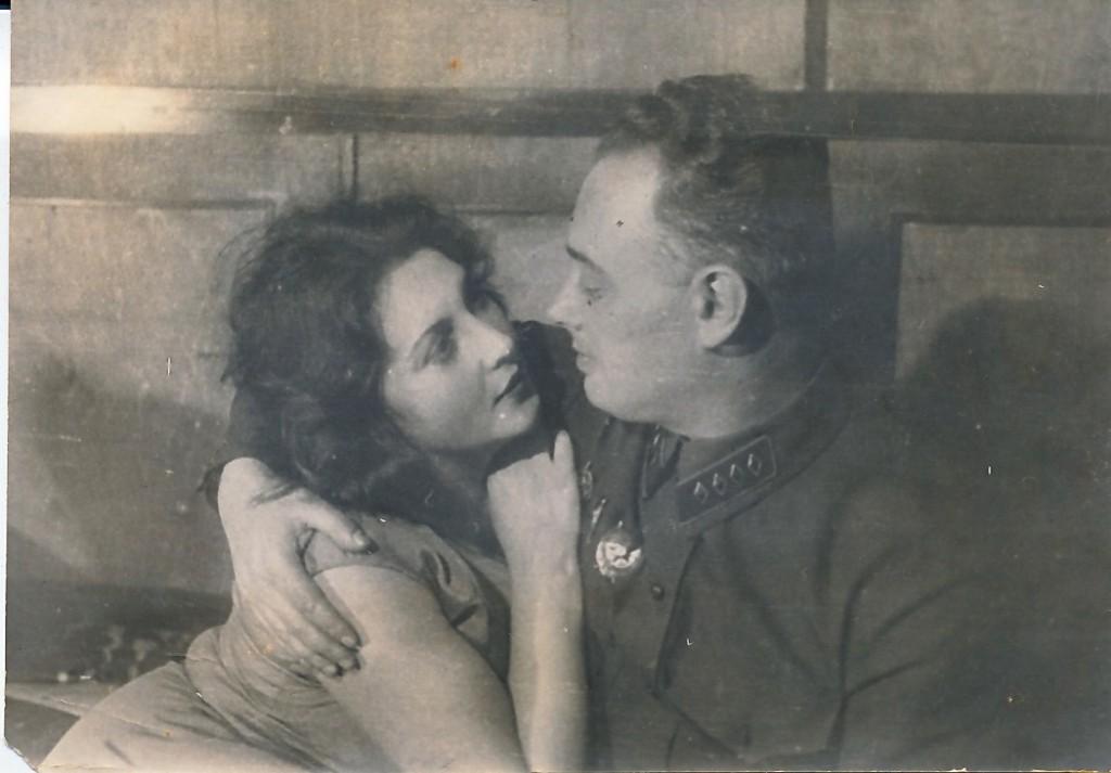 Mironowa_i_Mirosha._memorial_moscow_archives