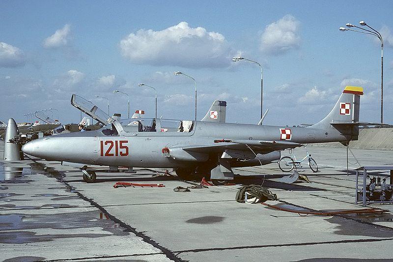 800px-PZL-Mielec_TS-11-bis_D_Iskra,_Poland_-_Air_Force_AN2194376