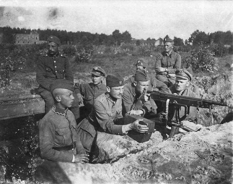 800px-Polish-soviet_war_1920_Polish_defences_near_Milosna,_August