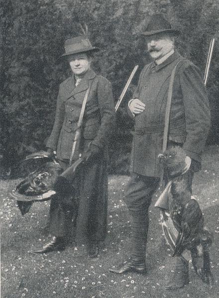Ernst von Jagow z małżonką Helene w 1915 roku. Źródło: Wikimedia Commons, autor: Dolly Maxa von Plessen, geb. von Puttkamer licencja: Creative Commons Uznanie autorstwa – Na tych samych warunkach 3.0