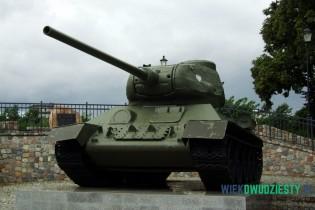 T-34\85 na postumencie w Wejherowie, fot. Michał Szafran, odwaszegofotokorespondenta.blogspot.com
