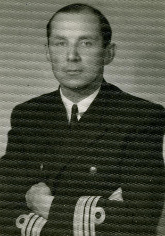 Komandor porucznik Zbigniew Przybyszewski, źródło: Muzeum Obrony Wybrzeża w Helu, domena publiczna.