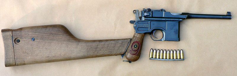 Pistolet Mauser C96. Do broni mogła być dołączana drewniana kolba…