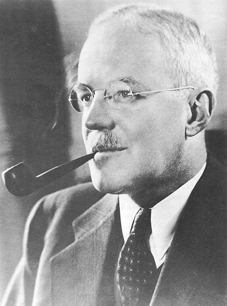 Allen W. Dulles. Źródło: Wikimedia Commons, domena publiczna.