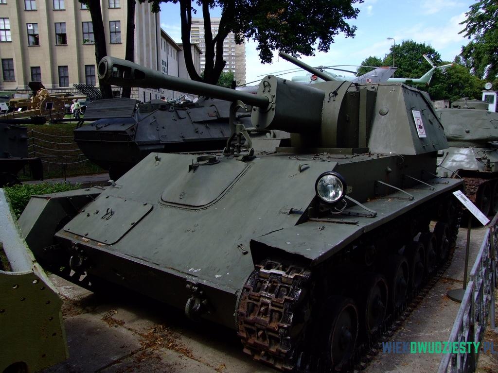 SU-76M w Muzeum Wojska Polskiego w Warszawie, fot. Michał Szafran, odwaszegofotokorespondenta.blogspot.com