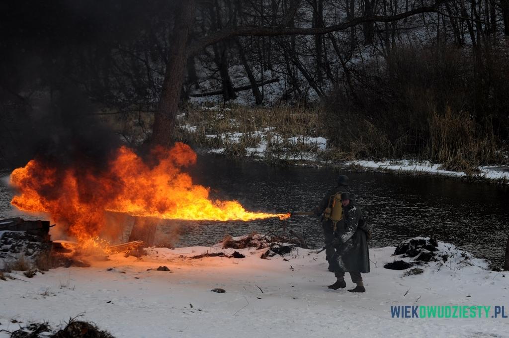 Żołnierz z miotaczem ognia Flammenwerfer 35, fot. Michał Szafran, odwaszegofotokorespondenta.blogspot.com