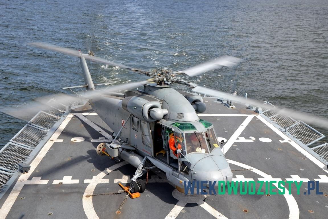 Kaman SH-2G n\b 3543 na pokładzie lotniczym fregaty ORP Gen. T. Kościuszko. Fot. Michał Szafran, odwaszegofotokorespondenta.blogspot.com