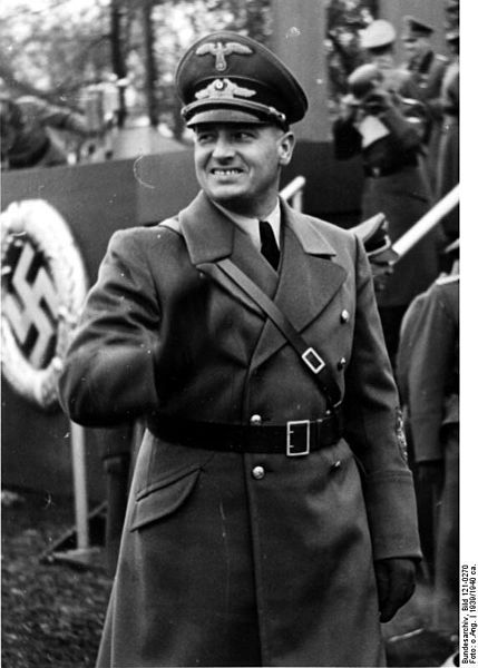 Hans Frank w Krakowie. Źródło: Bundesarchiv, Bild 121-0270 / CC-BY-SA