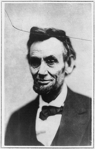 Ostatnie zdjęcie Abrahama Lincolna wykonane za jego życia. Autor: Alexander Gardner. Źródło: Biblioteka Kongresu Stanów Zjednoczonych, domena publiczna.