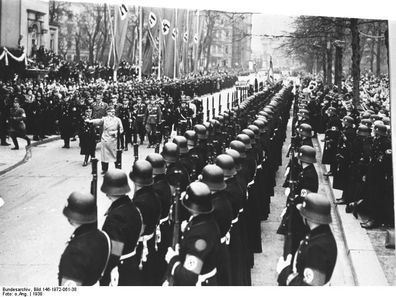 Leibstandarte w Berlinie, 1938. Źródło: Bundesarchiv, Bild 146-1972-061-38 / CC-BY-SA