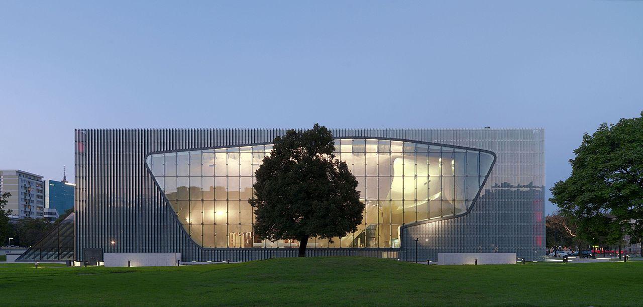 Budynek Muzeum Historii Żydów Polskich. Źródło: Wikimedia Commons, licencja: CC BY-SA 3.0 pl
