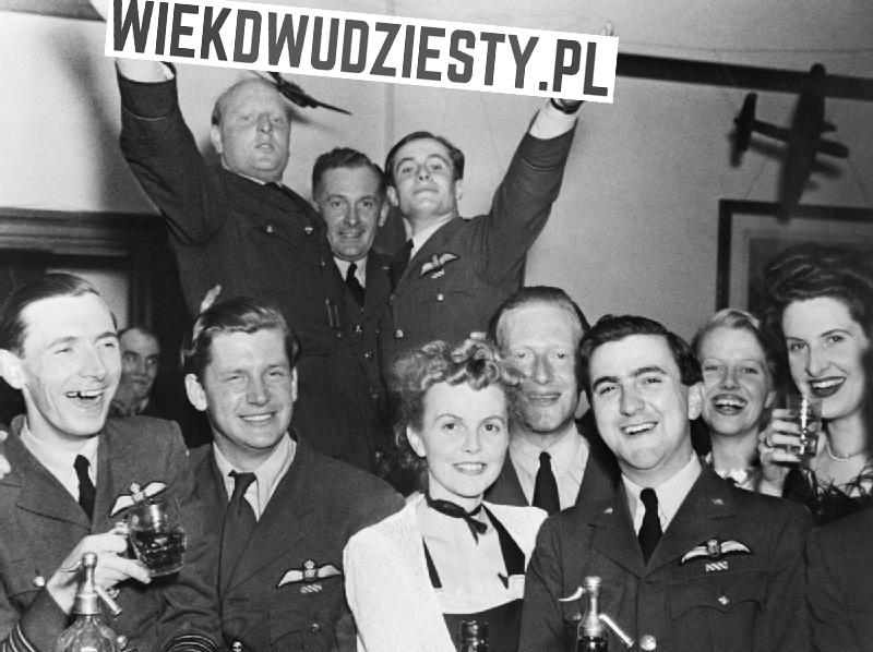 Impreza z okazji 1. urodzin portalu historycznego wiekdwudziesty.pl. Źródło: Wikimedia Commons, domena publiczna.