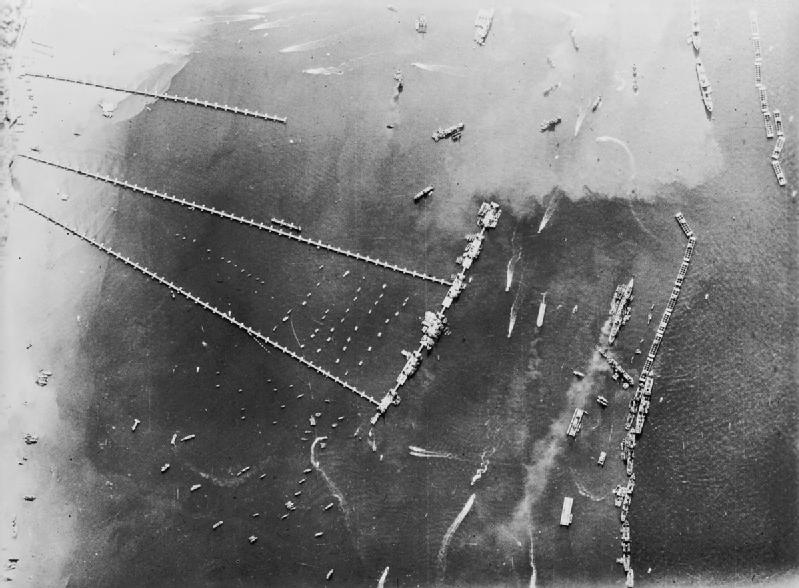 Mulberry-B widziane z lotu ptaka, 27 października 1944. Źródło: Imperial War Museum, domena publiczna.