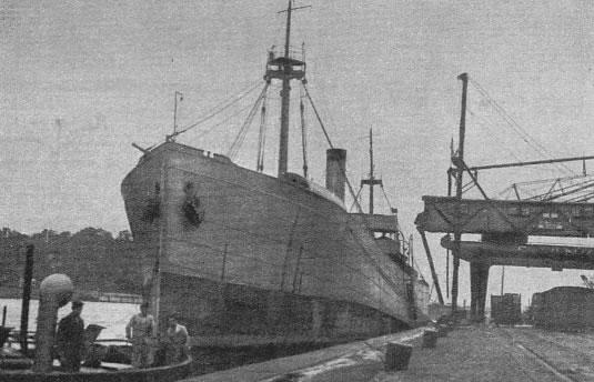 ORP Wilia zacumowany w Gdańsku w latach 30' XX wieku. Źródło: Wikimedia Commons, domena publiczna.
