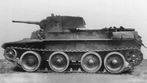 Czołg BT-7M. Źródło: Wikimedia Commons, domena publiczna.