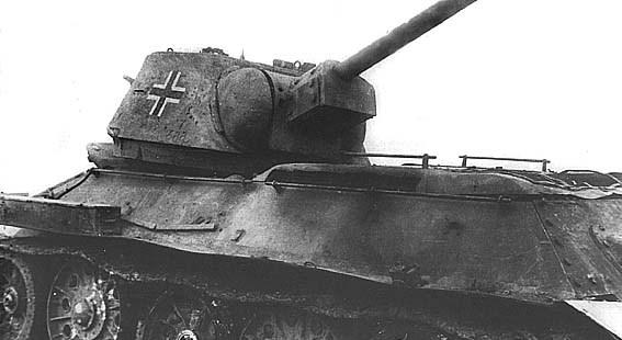 Przechwycony przez stronę Niemiecką T-34. Źródło: Wikimedia Commons, domena publiczna.
