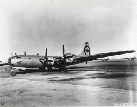 "Bombowiec B-29 ""Enola Gay"""