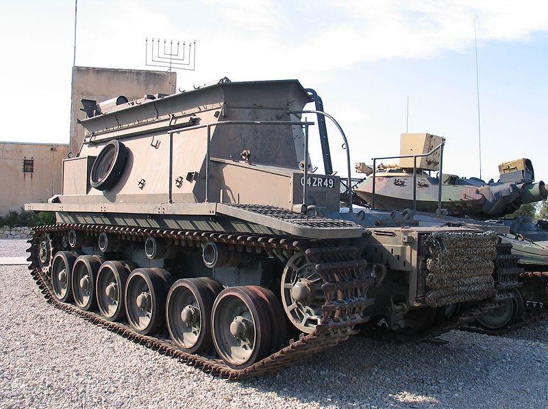 Centurion BARV (Beach Armoured Recovery Vehicle) w muzeum Yad la-Shiryon. Źródło: Wikimedia Commons, licencja: CC BY-SA 3.0