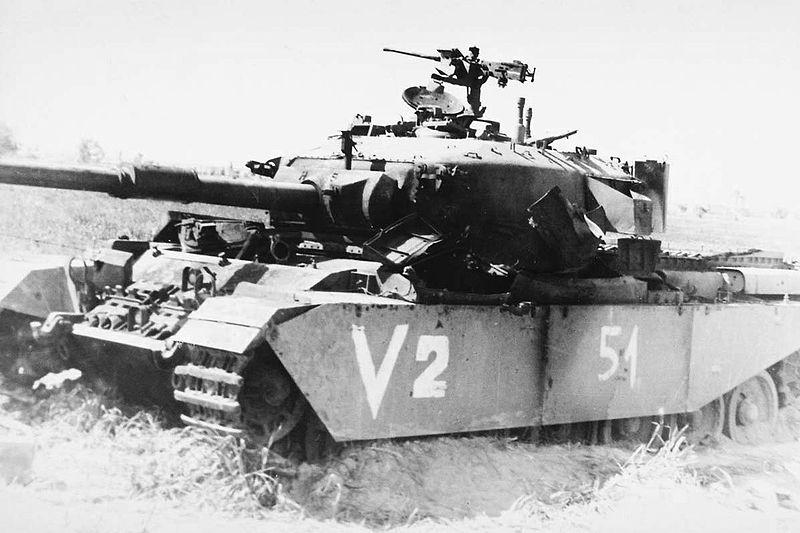 Izraelski Centurion zniszczony w 1968 roku. Źródło: Petra News Agency, domena publiczna.