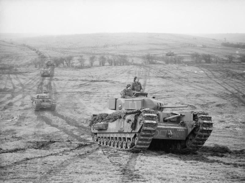 Czołgi Churchill podczas ćwiczeń, 31 styczeń 1942. Źródło: Imperial War Museum, domena publiczna.