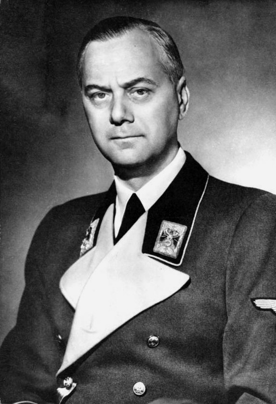 Alfred Rosenberg, źródło: Bundesarchiv, Bild 183-1985-0723-500 / CC-BY-SA 3.0