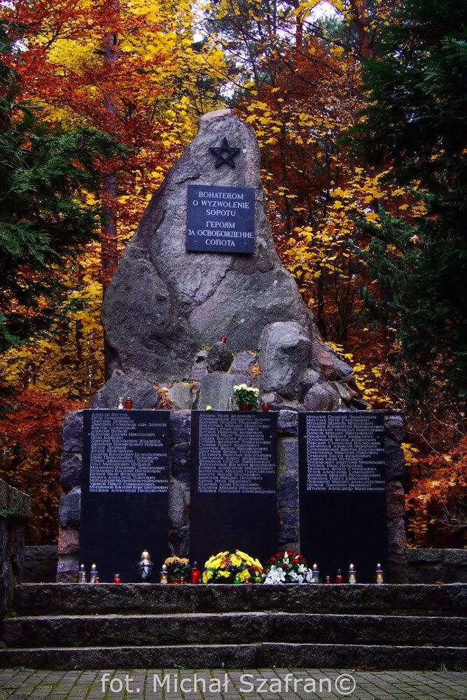 Cmentarz Żołnierzy Radzieckich w Sopocie, fot. Michał Szafran, odwaszegofotokorsespondenta.blogspot.com