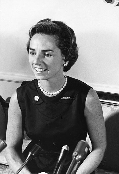 Ethel Kennedy. Źródło: JFK Library, domena publiczna.