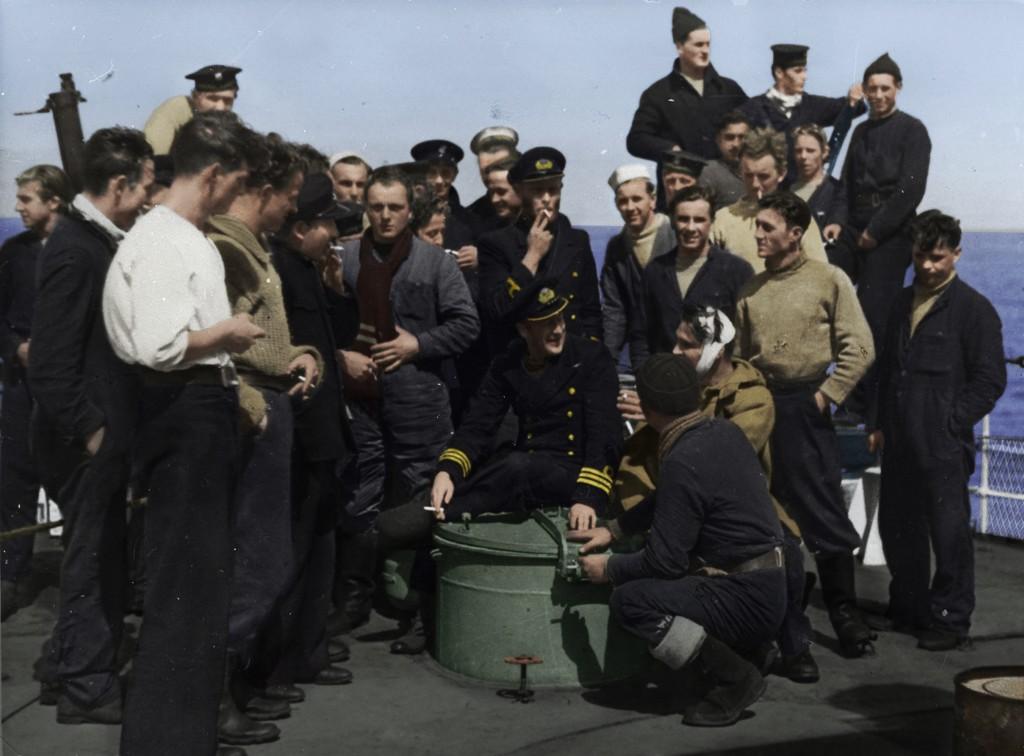 Marynarze z zatopionego okrętu podwodnego ORP Jastrząb