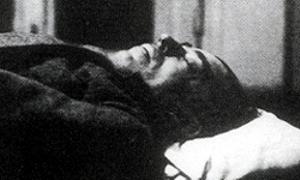 Ciało Sidneya Reilly'ego sfotografowane przez OGPU po śmierci. Źródło: Wikimedia Commons, domena publiczna.