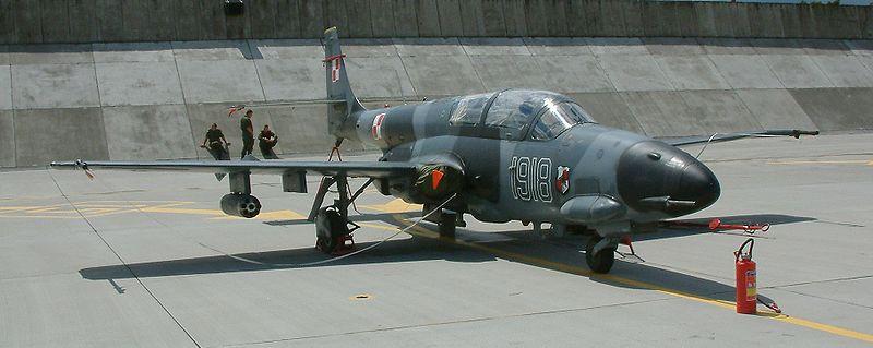 TS-11 Iskra R w barwach 3 Eskadry Lotnictwa Taktycznego. Źródło: Wikimedia Commons, licencja: CC BY-SA 3.0