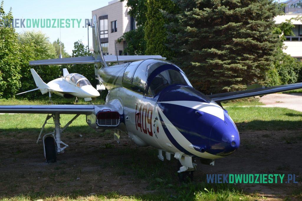 TS-11 Iskra w okolicznościowym malowaniu z okazji 40. Lecia 28. Pułku Lotnictwa Myśliwskiego.Fot. M. Szafran, odwaszegofotokorespondenta.blogspot.com