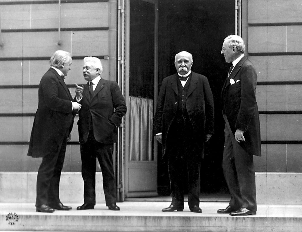 Wielka Czwórka Konferencji Paryskiej: David Lloyd George, Vittorio Emanuele Orlando, Georges Clemenceau i prezydent USA Woodrow Wilson. Źródło: Wikimedia Commons, domena publiczna.