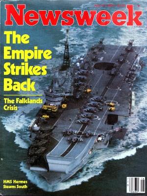 """""""Imperium kontratakuje"""" - nawiązująca do """"Gwiezdnych Wojen"""" okładka Newsweeka ukazująca lotniskowiec HMS Hermes w drodze na Falklandy. Źródło: Wikimedia Commons. ©"""