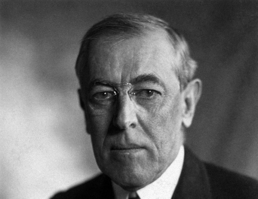 thomas_woodrow_wilson_harris__ewing_bw_photo_portrait_1919przyciete