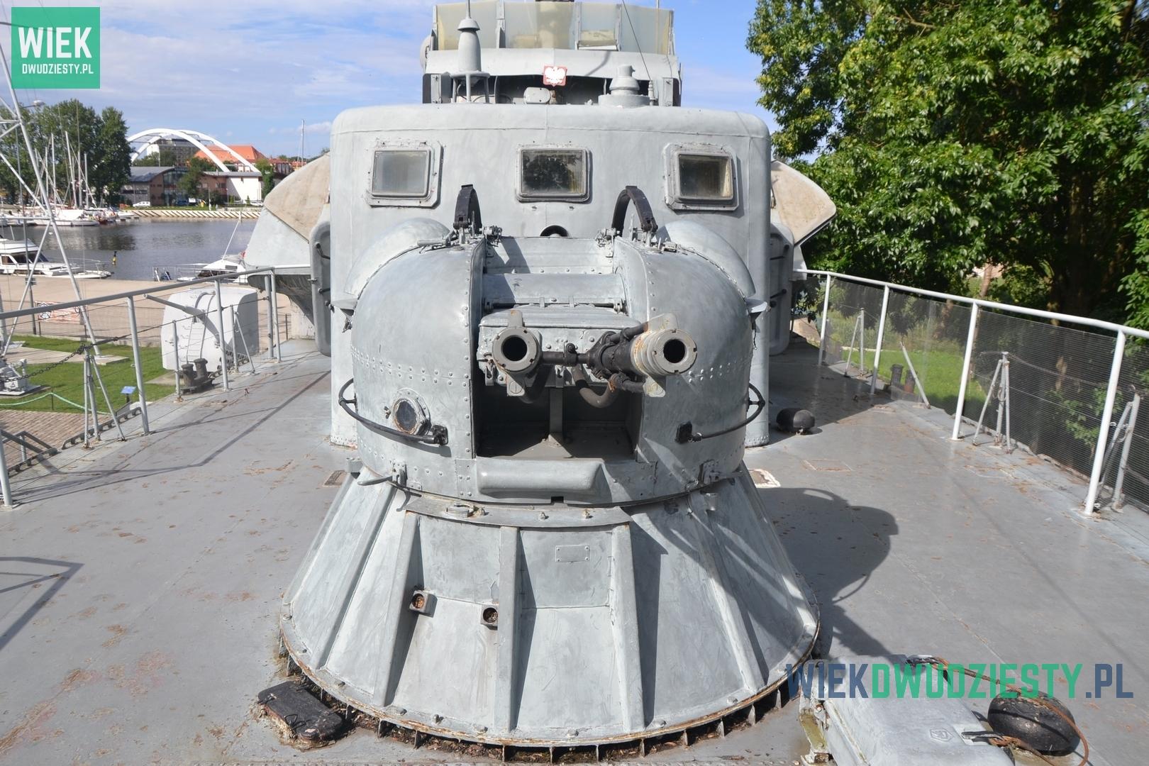 Dziobowy zestaw artyleryski AK-230 na ORP Władysławowo, kutrze rakietowym proj. 205. Fot. M. Szafran, odwaszegofotokorespondenta.blogspot.com