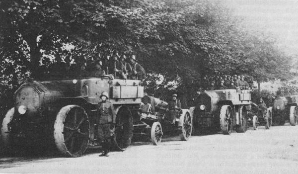 Ciągniki artyleryjskie Austro-Daimler M.17 'Goliath' w służbie czechosłowackiej, prawdopodobnie 1920 rok.