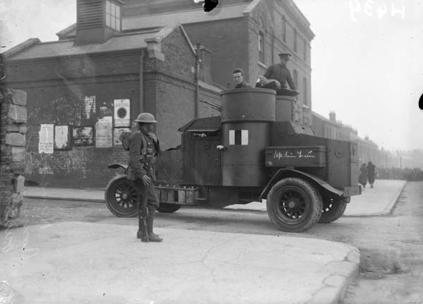 Samochód pancerny Austin wykorzystywany w tłumieniu strajków w Dublinie między 1918 a 1920 rokiem.