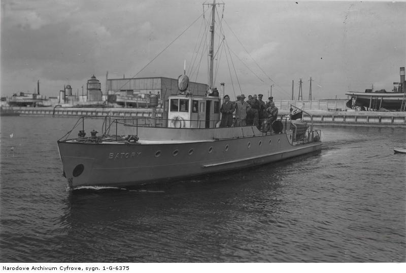 """Kuter pościgowy Straży Granicznej """"Batory"""" w Gdyni, 1932 r."""