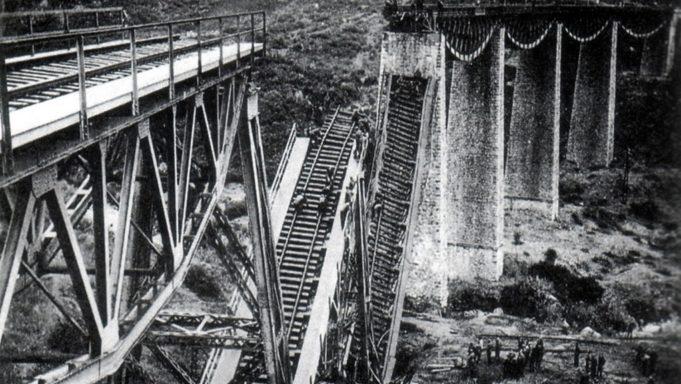 Zniszczony most Gorgopotamos. Źródło: greeknewsagenda.gr, domena publiczna.